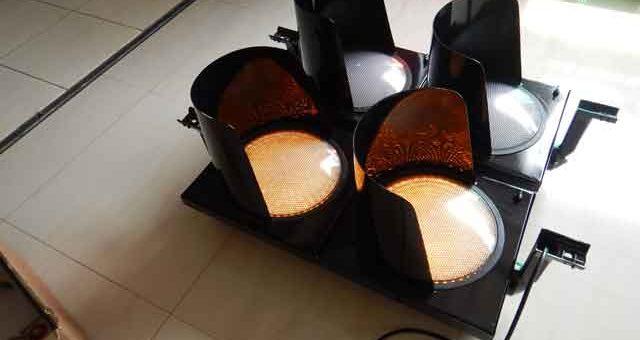 Jual Lampu Traffic Light 2 Aspek – Lampu Lalu Lintas